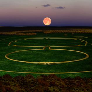 Newark Earthworks Octagon Moonrise. Image Courtesy of CERHAS.